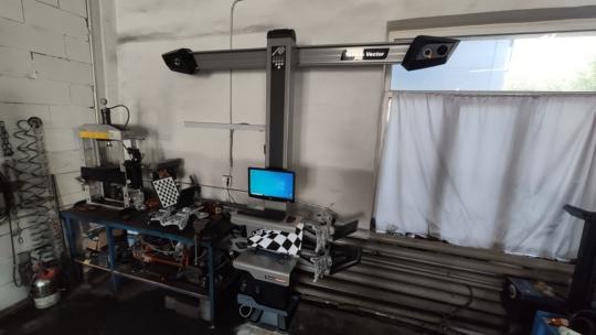 Поставили клиенту стенд Техно Вектор 7202TS и установку для заправки кондиционеров CTR Nordik plus